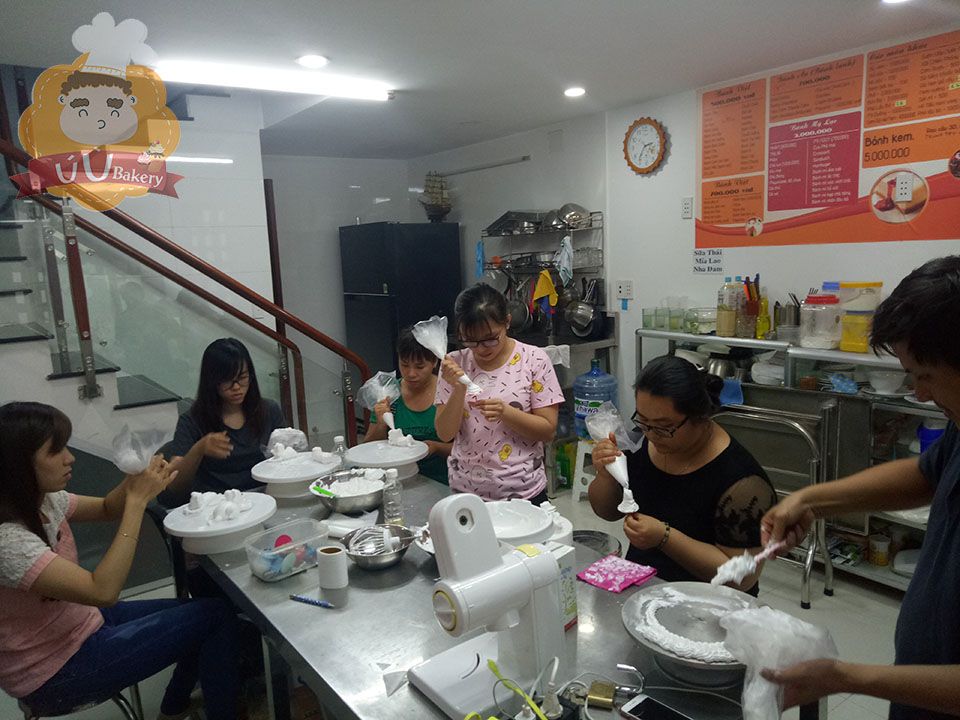 lớp thực hành bánh kem