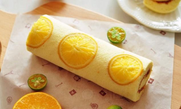 Bánh cuộn hương chanh mát lạnh cho hè bớt nóng