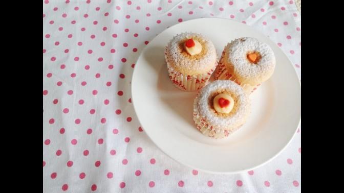Cách làm bánh Hokkaido Cupcake – Bánh bông lan kem sữa