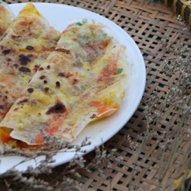 Cách làm bánh tráng nướng bằng chảo chống dính siêu dễ tại nhà