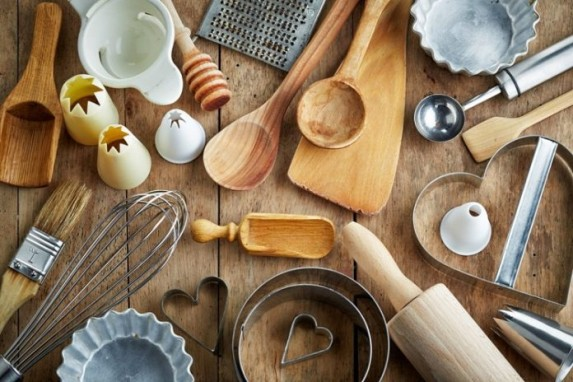 Cách làm sạch dụng cụ làm bánh