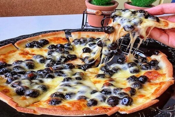 """Hot rần rần với món bánh Pizza trân châu đen cho """"Team Trà Sữa"""""""