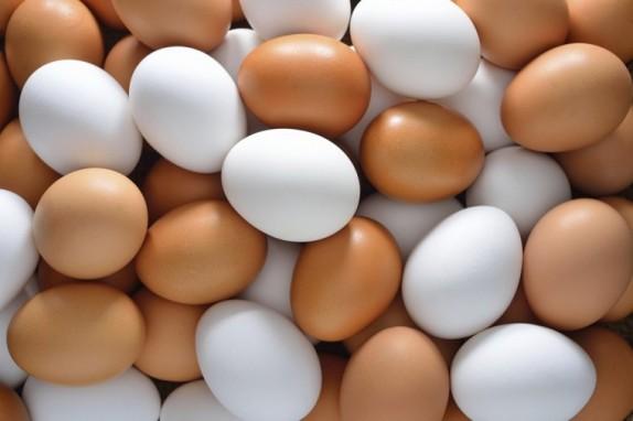 Mẹo chọn trứng gà trong làm bánh